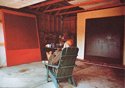 Rothko in zijn schildersatelier.
