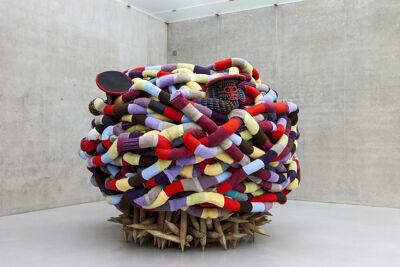 Pascale Marthine Tayou's tentoonstelling BOOMERANG kan je nog tot 20 september bezichtigen in BOZAR.