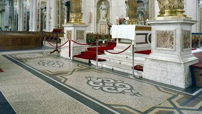Italiaanse terrazzovloer in de basiliek