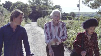 Dimitri met Cecil Woolf en zijn vrouw Jean Moorcroft-Wilson