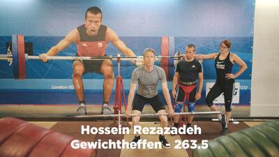Op de foto: Gewichtheffen: Maarten met Tom Goegebuer en Bieke Vandenabeele