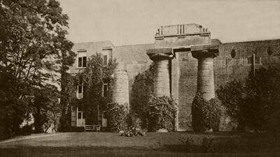 'Tempel van Paestum' in de tuin van Wiertz.