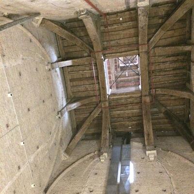 Op de eerste verdieping van de kerktoren