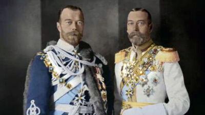 George V (rechts) en zijn neef Nicolas II (links)