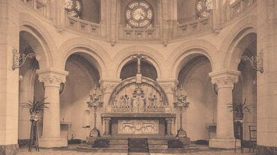 Oude foto van de kapel: het altaar
