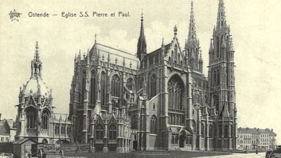 Sint-Petrus & Pauluskerk met achteraan het mausoleum voor koningin Louise-Marie