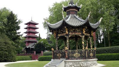 Chinese kiosk en Japanse toren