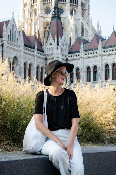 Een paar weken geleden ging Ibe nog op vakantie naar Budapest. De vakantiefoto's tonen haar ontzettende levensvreugde.