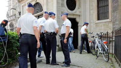 Juni 2010: huiszoeking in de Sint-Romboutskathedraal in Mechelen