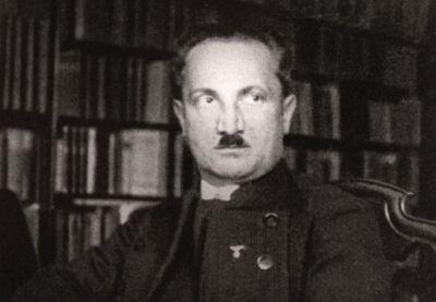 Filosoof Martin Heidegger, leraar en minnaar van Arendt. Hij koos later de kant van de nazi's. Desondanks hernieuwde Arendt het contact in de jaren 50.