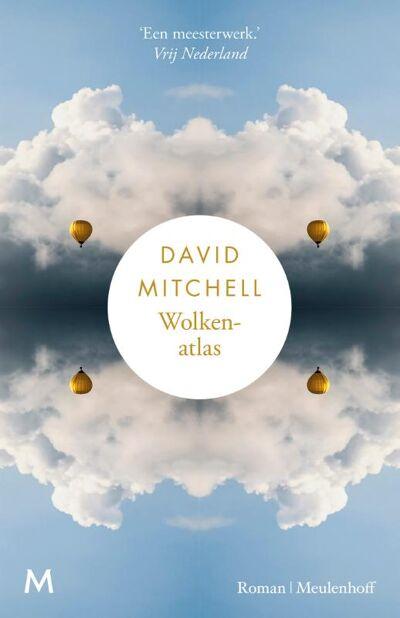 'Cloud Atlas' werd naar het Nederlands vertaald met als titel 'Wolkenatlas'.