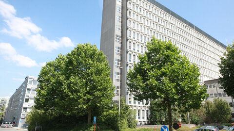 Het vrt-gebouw op de Reyerssite