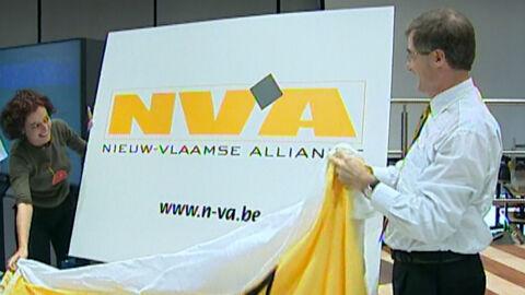 Geert Bourgeois onthult naam nieuwe partij (13 oktober 2001)