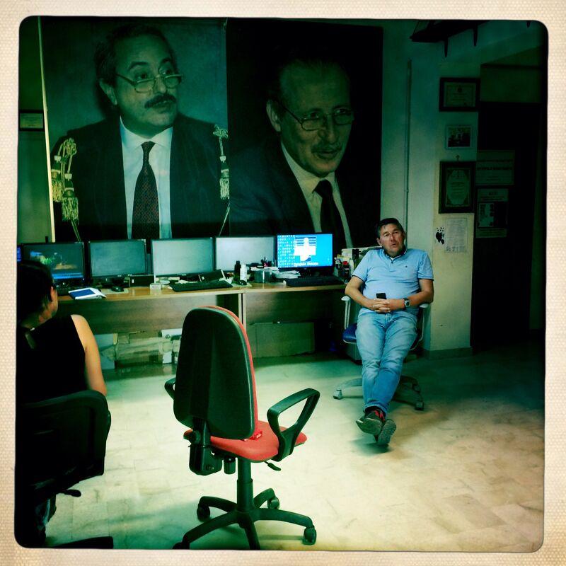 Falcone en Borsellino kijken toe vanop Pino's muur