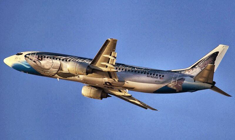 In 2011 vloog deze in zalmjasje gestoken Boeing 737-400 voor het eerst uit. Een marketingstunt ter promotie van de duurzame visvangst in Alaska