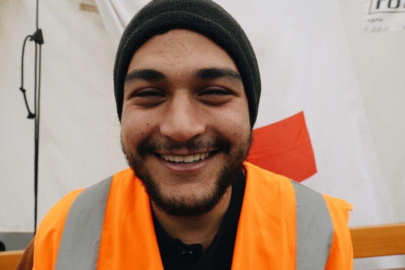 Brahim, vrijwilliger uit Nazareth (Israël) in het doorgangskamp op Idomeni, Griekenland.
