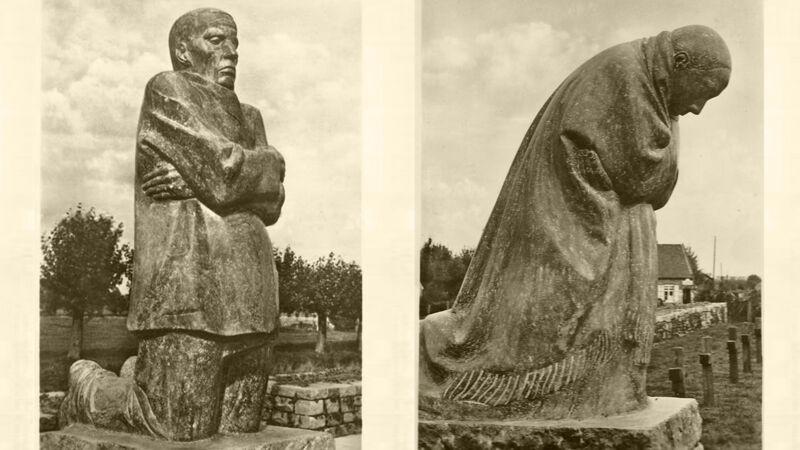 Oude foto van de beelden op Friedhof Roggeveld, Esen