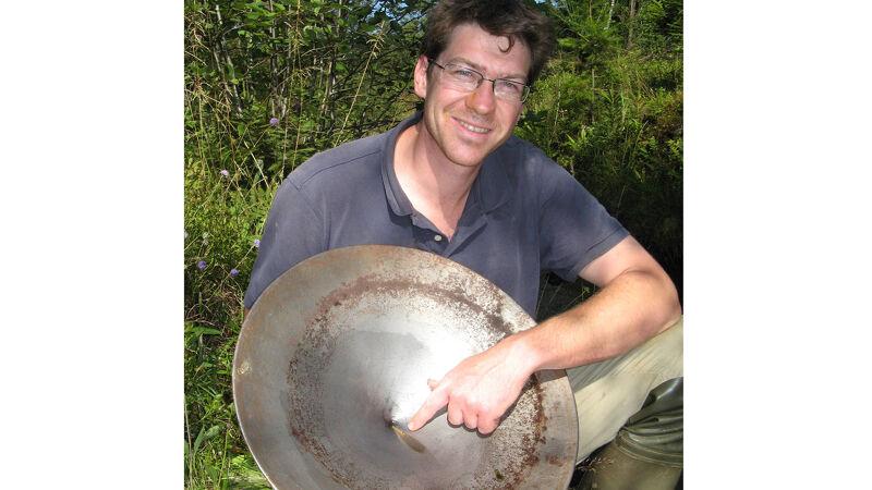 Goudzoeker Bruno Van Eerdenbrugh in actie