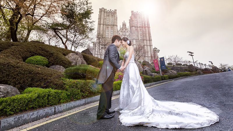 De campus met de 'kathedraal', populair bij Koreaanse huwelijksfotografen