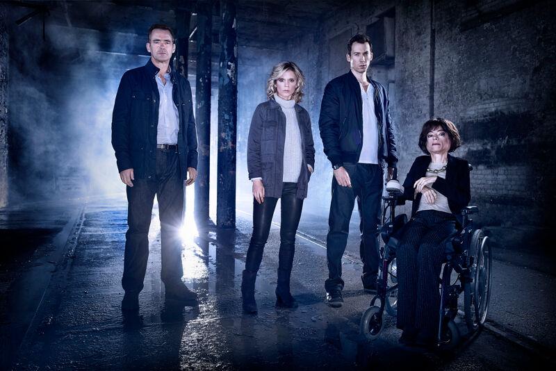 Van links naar rechts: Richard Lintern, Emilia Fox, David Caves en Liz Carr