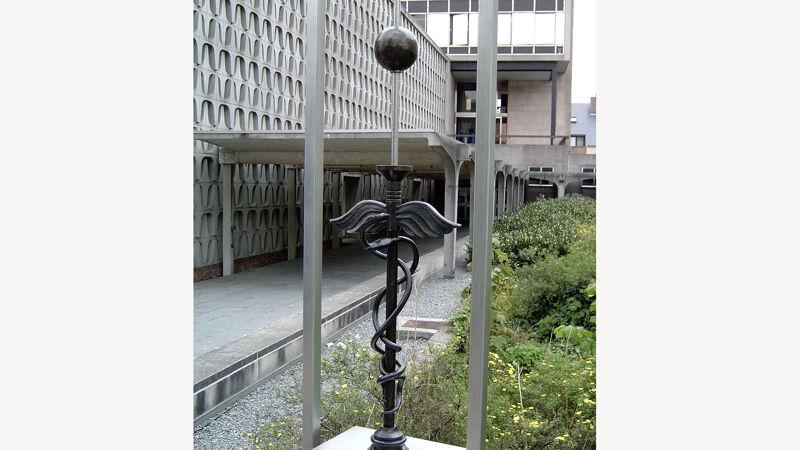 Mercurius, bij het cultureel centrum van Oudergem