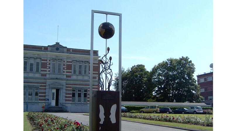 De Aarde, aan de Koninklijke Sterrenwacht in Ukkel