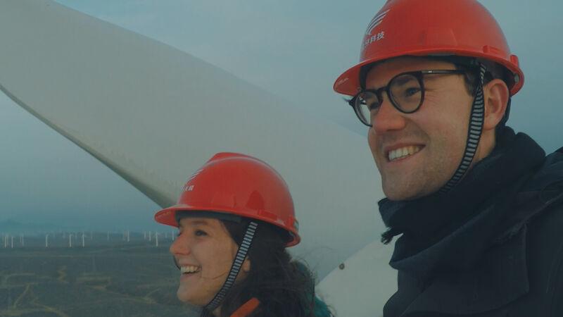 Natalie en Jonas nemen ook hernieuwbare energie onder de loep. Daardoor komt ook windenergie aan bod.