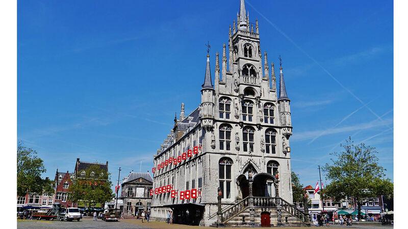 Stadhuis van Gouda, waar ook de schepenbank was gevestigd