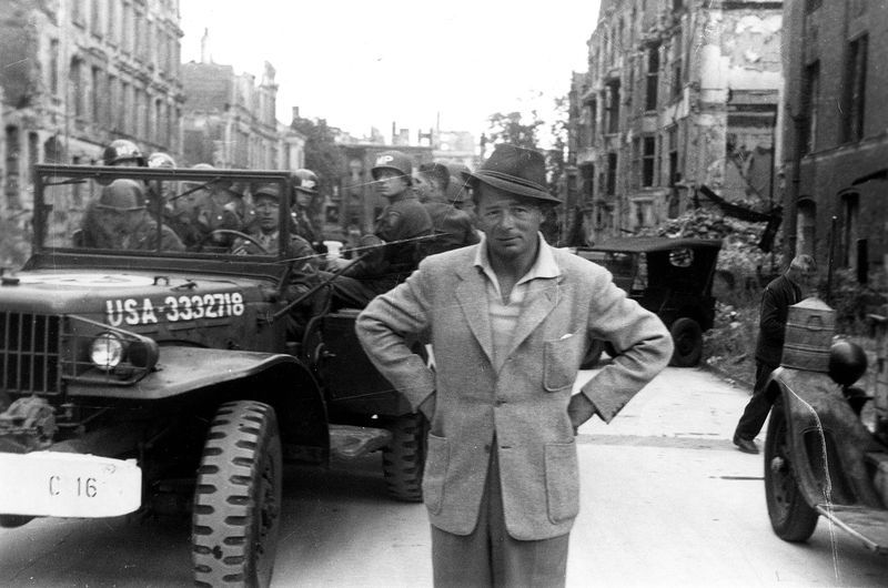 Billy Wilder in Berlijn op de set van 'A Foreign Affair'