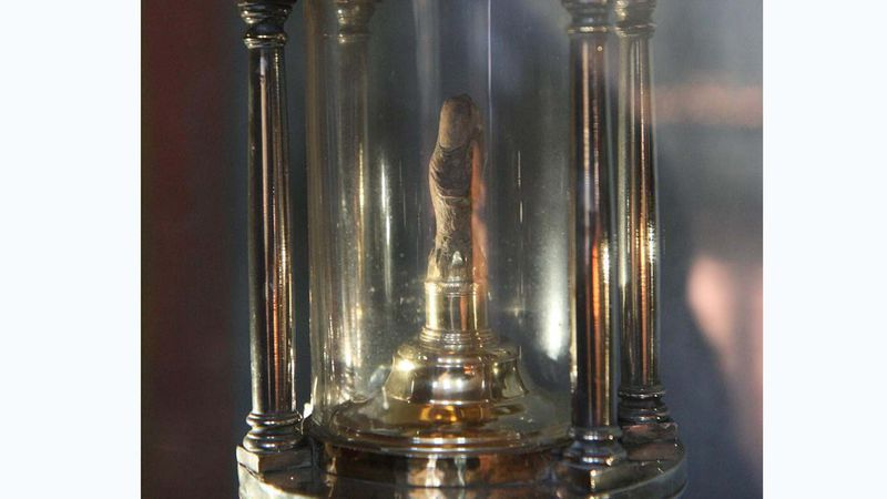 Vingerreliek van Catharina van Siena, al dan niet met onzichtbare voorhuidring