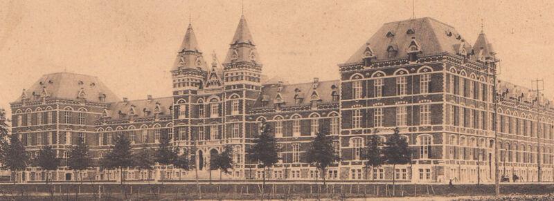 Oude foto van de voorgevel van het Heilig Hartcollege, Maasmechelen