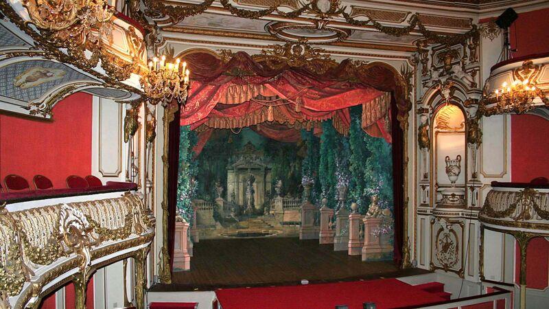 Theater van Chimay: zicht op het podium