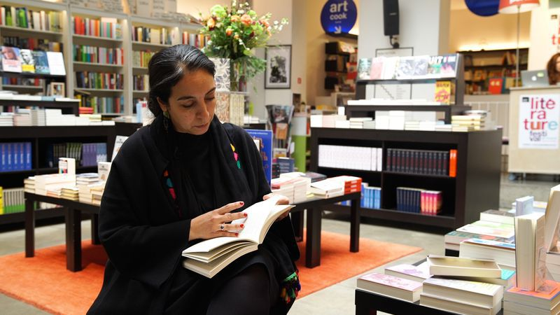 De zoektocht naar de eigen identiteit is een belangrijk onderwerp in het oeuvre van Rachida Lamrabet.