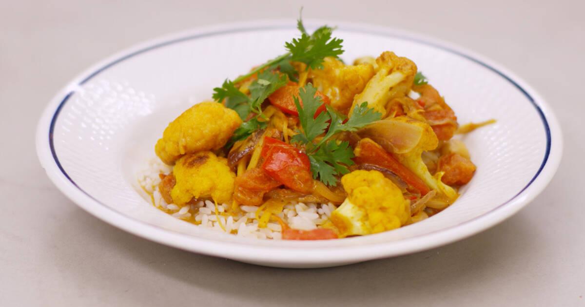 Indiase curry met bloemkool en rijst