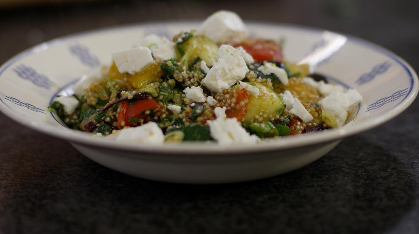 Salade met quinoa en fetakaas