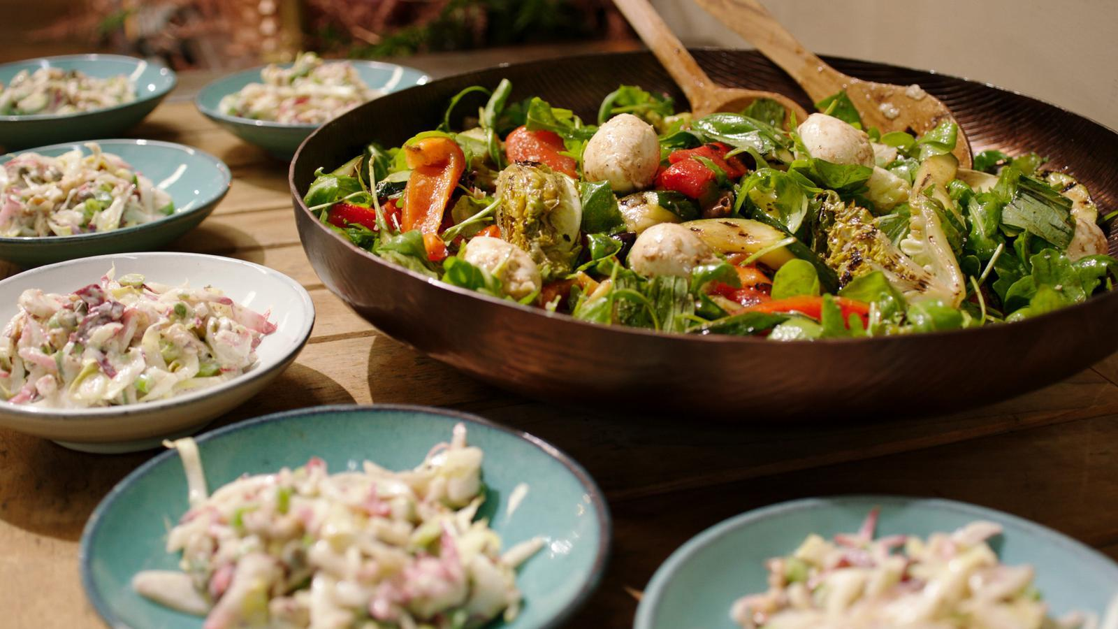 Bocconcini met gegrilde groenten en witloofsalade met yoghurtdressing