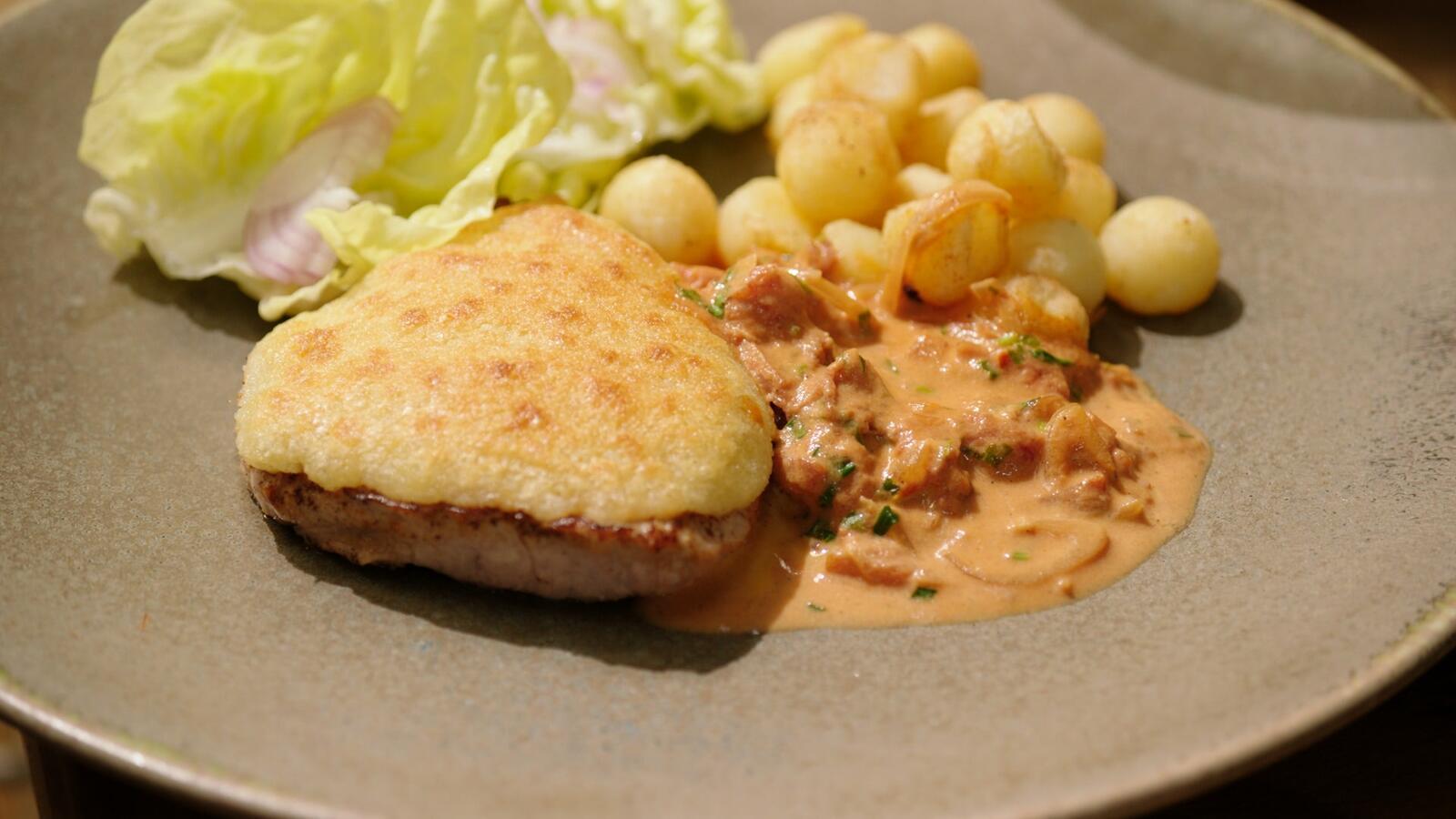Kalfsmedaillon 'Orloff' met Parisienne aardappelen