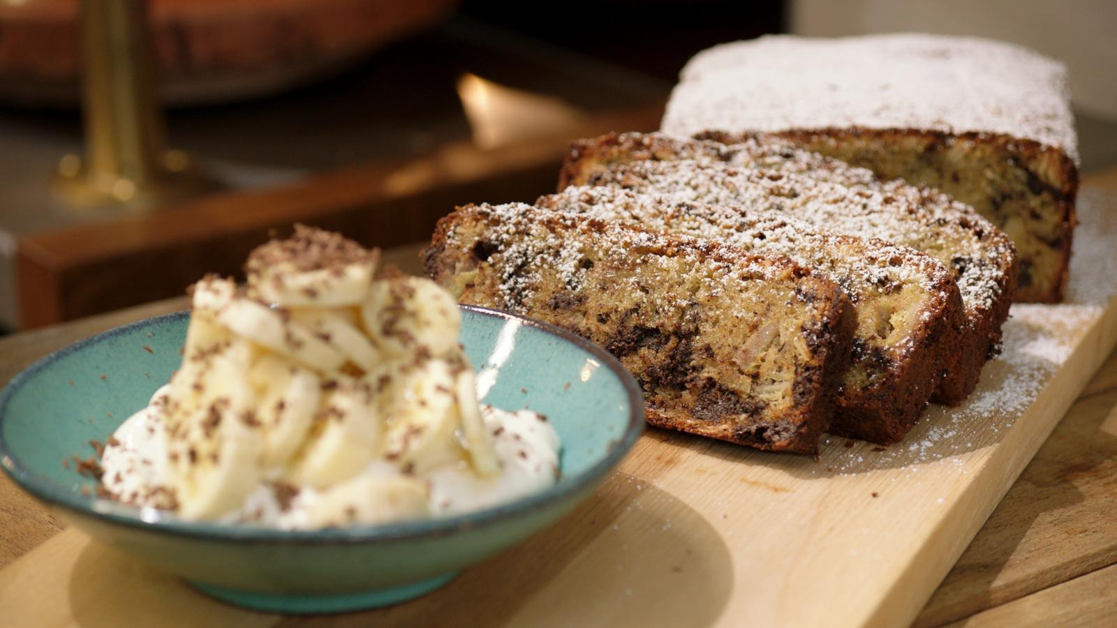 Cake met amandel, chocolade en banaan