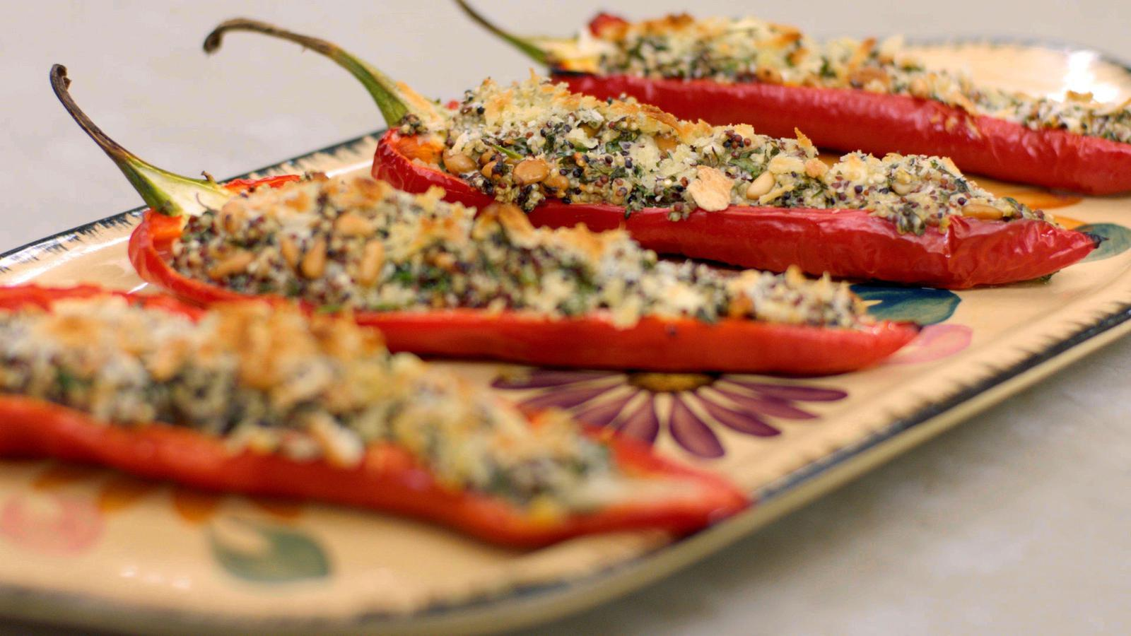 Puntpaprika's gevuld met quinoasalade