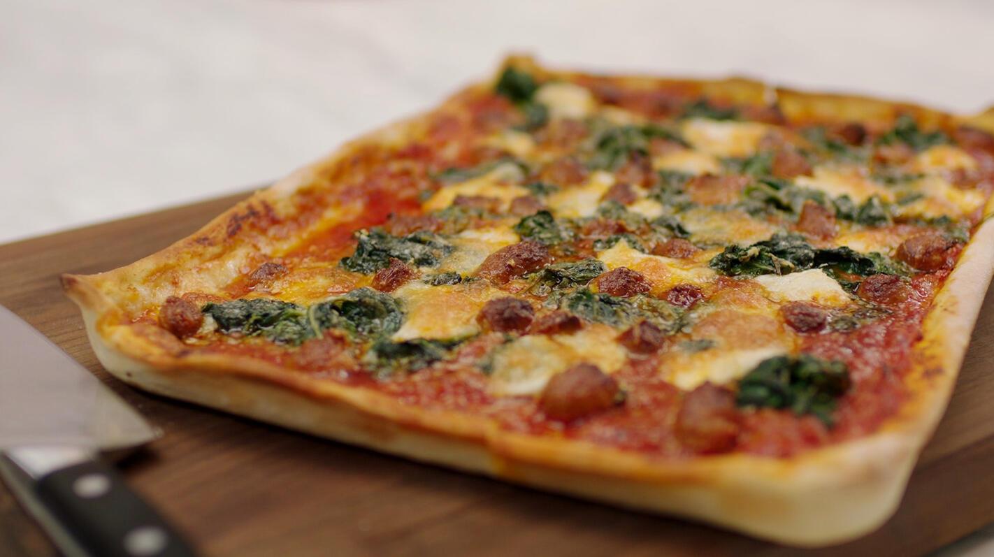 Pan pizza met merguezballetjes