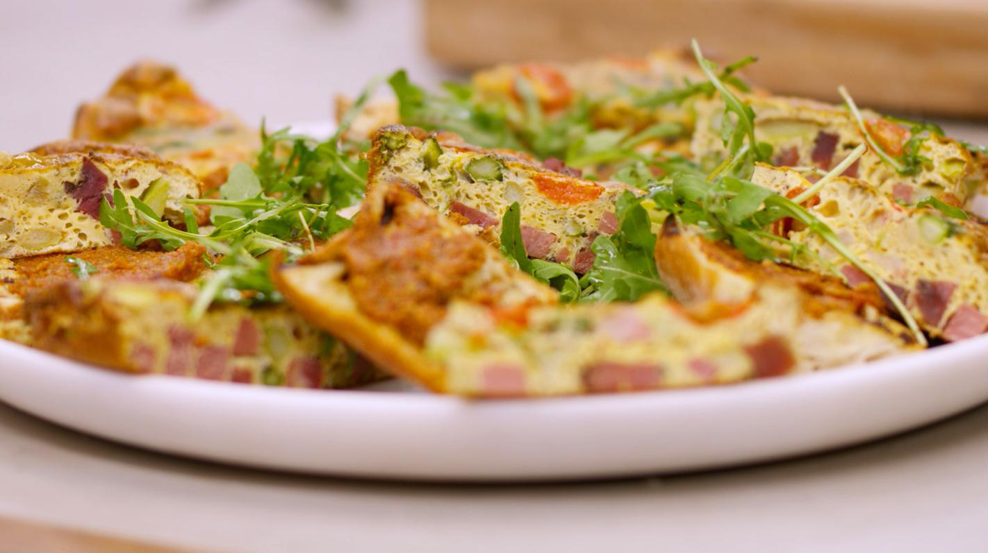 Ciabatta met tomatenpesto en omelet