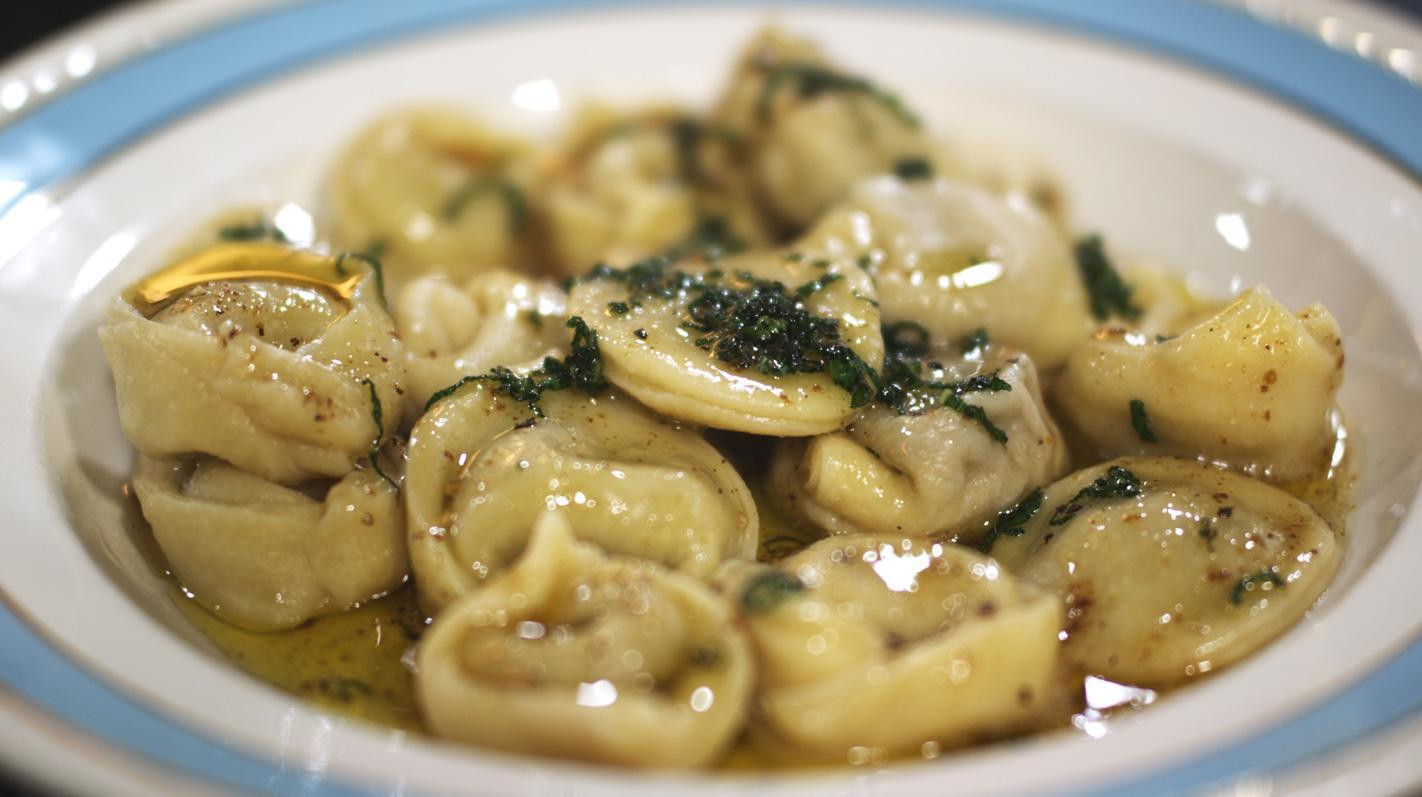 Tortelloni met champignonvulling en salieboter