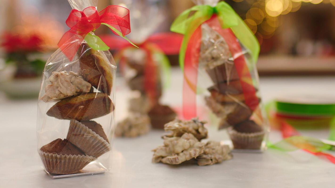 Madeleintjes en chocoladerotsjes met rozijnen en noten