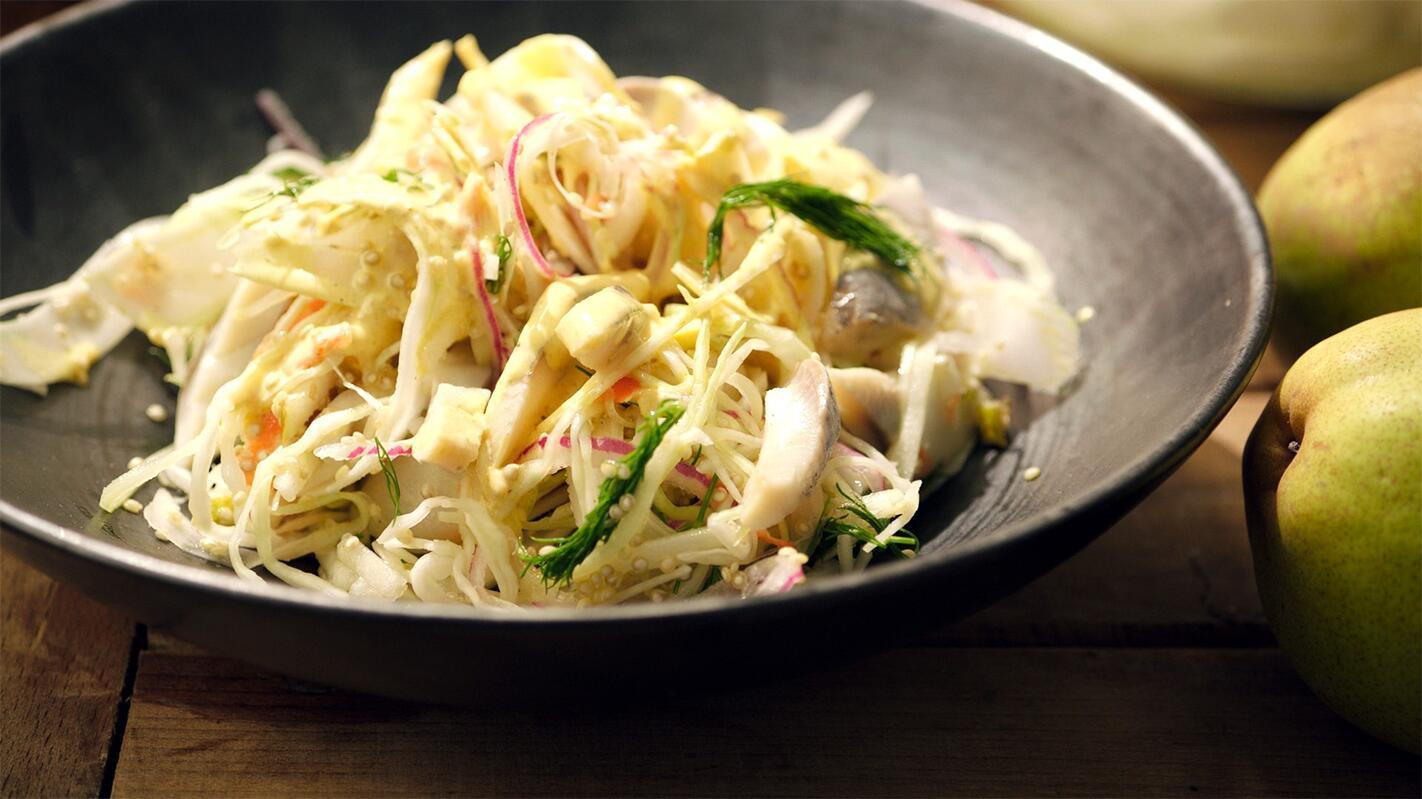 Salade met peer en haring