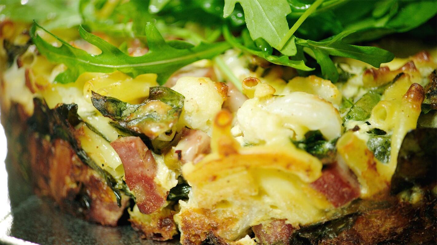 Pastataart met mortadella en spinazie