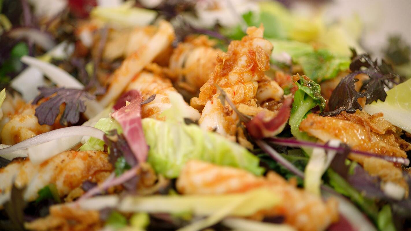 Salade met witloof en gebakken inktvis