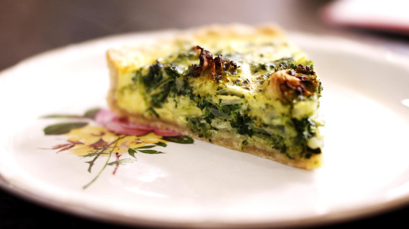 Vegetarische taart met broccoli