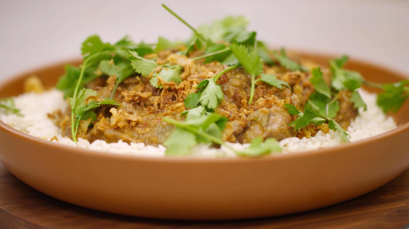 Aziatisch stoofpotje van lamsvlees met rijst