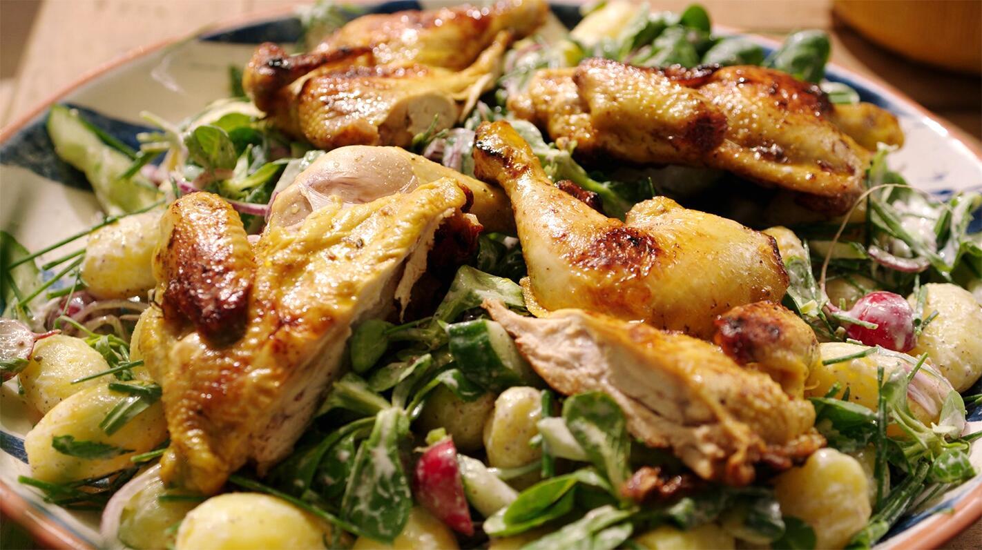Piepkuiken crapaudine en een koude aardappelsalade