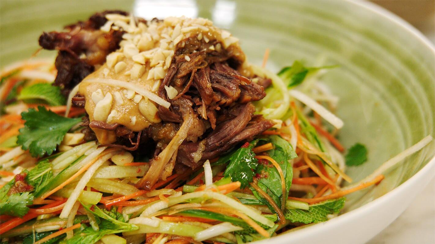 Thaise salade met runderribben